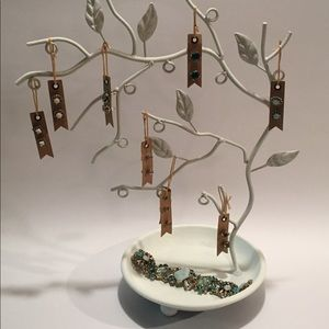 Other - White Metal Jewelry Display